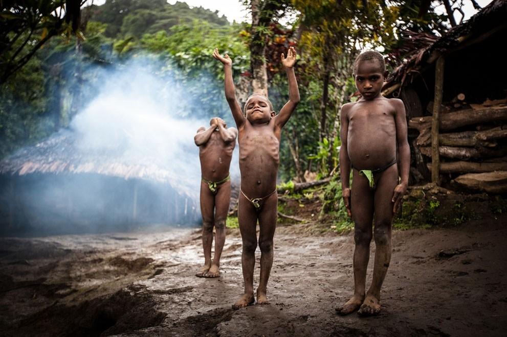 племя голых фото