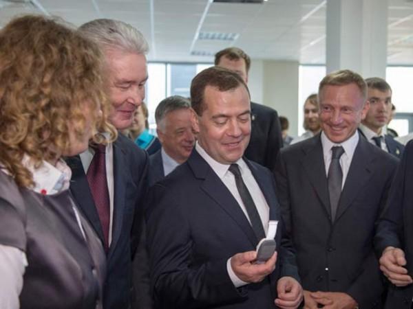 Нейроком и Д. Медведев
