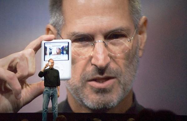 Стив Джобс представляет iPod